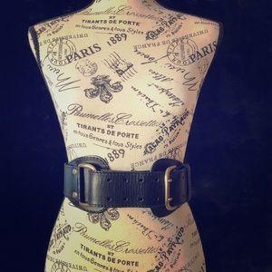 Línea Pelle Leather Belt